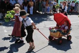 Festgottesdienst und historischer Festzug